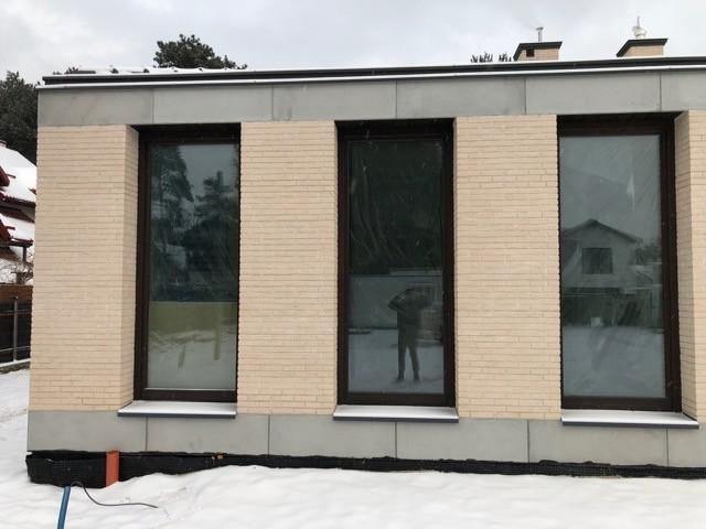 Józefów, dom – płyty betonowe