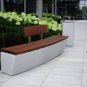 Betonowe ławy i siedziska